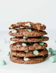 Amazing mint chip cake box cookies!