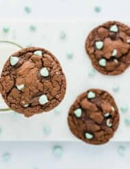 These Mint Chip Cake Box Cookies are so yummy! Not to mention a breeze to make!