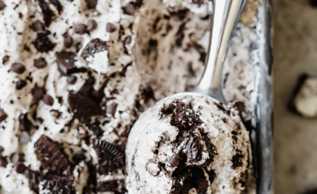 Overhead view of a scoop of no churn Oreo ice cream in an ice cream scooper.