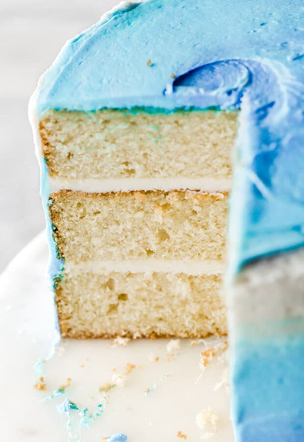 A three layer vanilla cake recipe, smash cake.