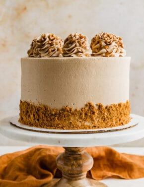 Biscoff Caramel Cake